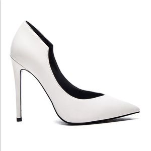 Abi Heel in White Leather Size 8 KENDALL + KYLIE